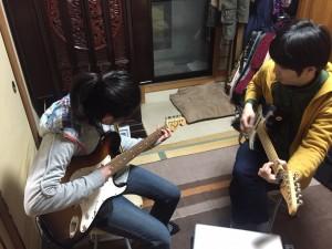守口市で出張エレキギター教室!