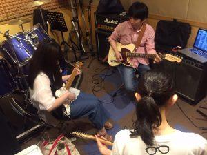 上新庄で出張エレキギター教室!