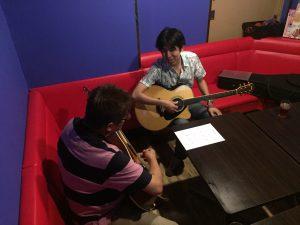 塚口で出張アコースティックギター教室!