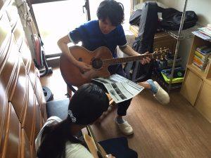 三室戸で出張アコースティックギター教室!!